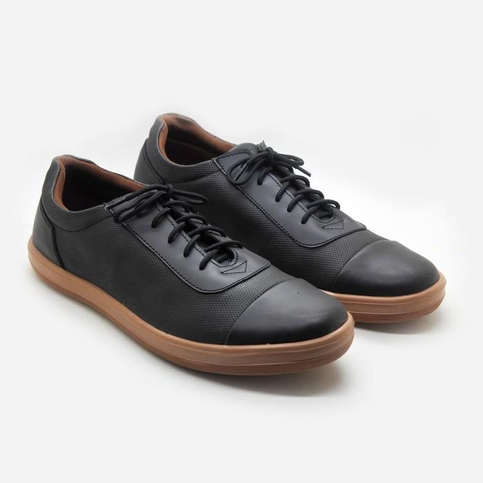 harga Mascotte andrew black | sepatu casual pria m63 000 - hitam - hitam 41 Tokopedia.com