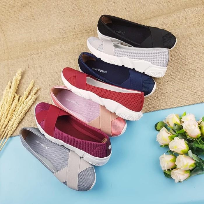 Foto Produk Sepatu Slip On Silang ZIUDITH FD01 Slip On Wanita Simple - Hitam, 37 dari Azzam Store by Tim DEP