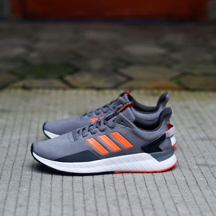 Original !!! Adidas Questar Ride Grey