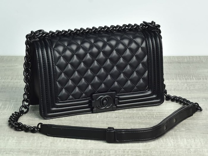 aeecffbc6c61b0 Jual Tas Chanel Boy So Black Medium Quilted HITAM Semprem AH8811 ...