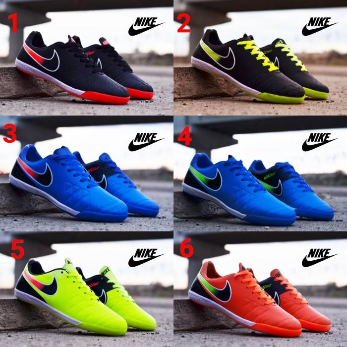 new product 7e296 99821 Sepatu Nike HyperVenom Futsal Full Black Pria Sporty Running