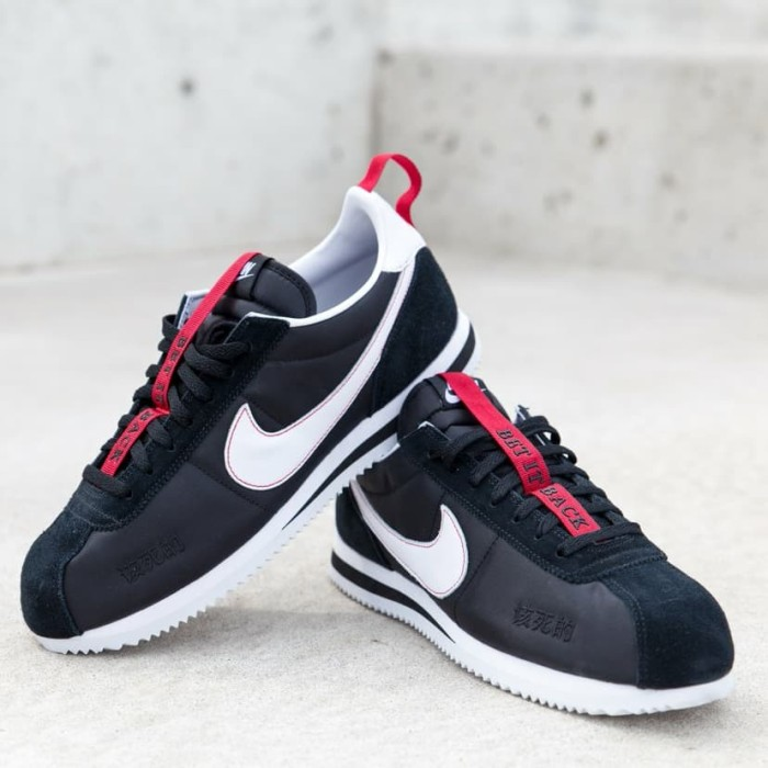 competitive price 7270b 7254d Jual Sepatu Kendrick Lamar X Nike Cortez Kenny III Black Red - Jakarta  Selatan - COGITO STORE | Tokopedia