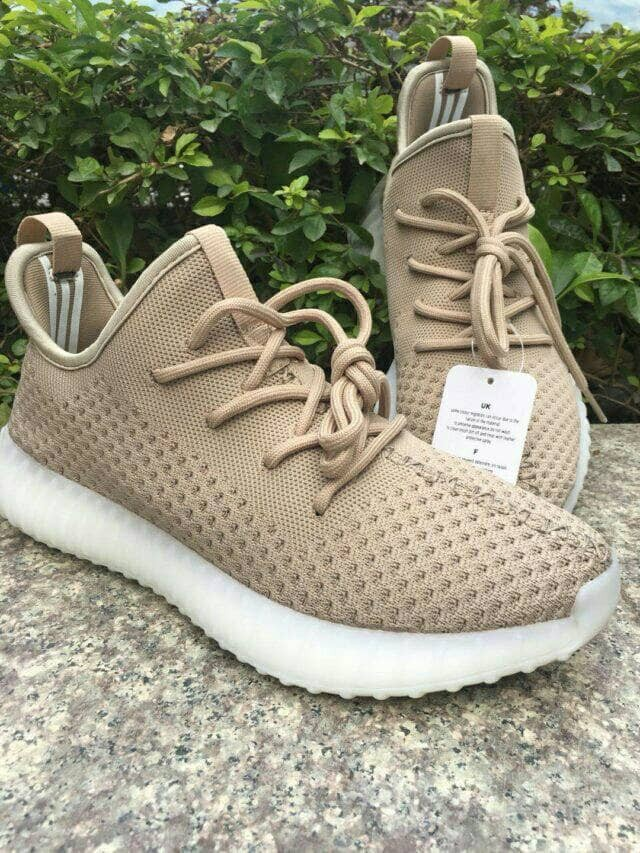 huge discount 6bc48 63f3c Jual Adidas Yeezy Boost 350 V3 Oxford Beige Perfect Quality - Sepatu adidas  - Kota Bandung - D-C Store   Tokopedia