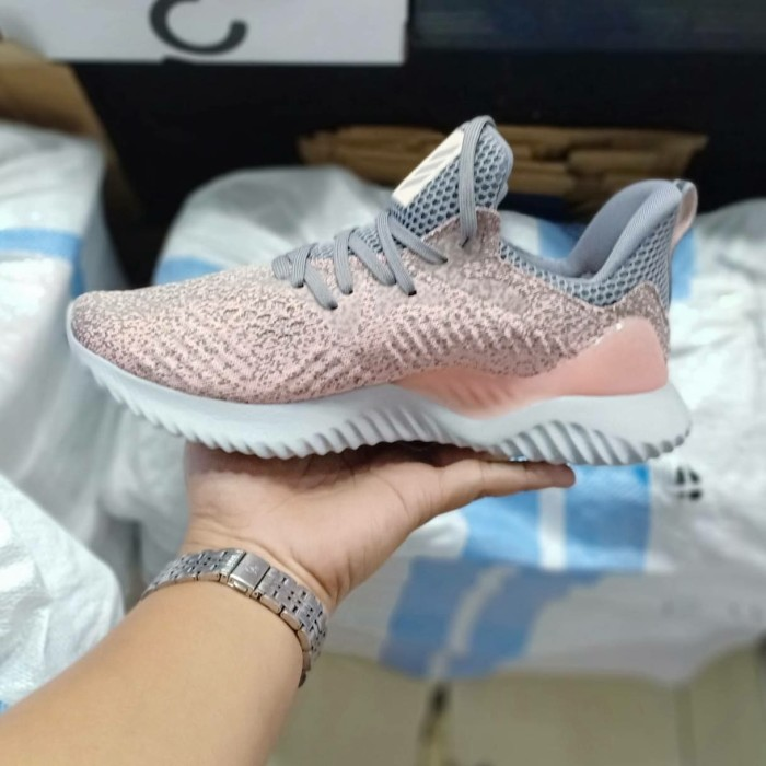 507315b90 Jual Sepatu wanita ori Adidas Alphabounce Beyond Raw Grey Rush Pink ...