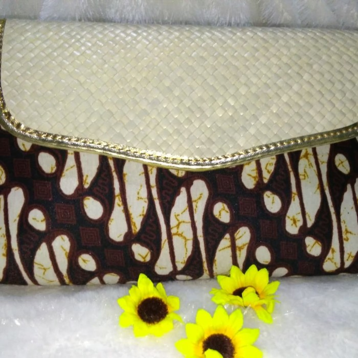 harga Dompet clutch wanita anyam tikar motif batik harga murah Tokopedia.com
