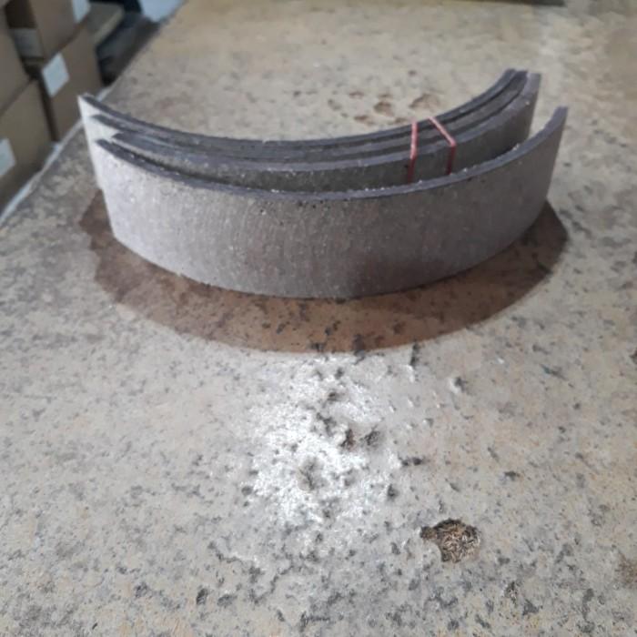 Foto Produk kampas rem lebar 6.5cm,p: 17cm, tebal 7mm dari UD.AsiaBaru