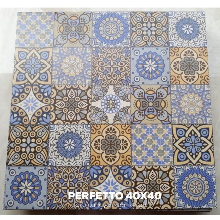 Jual Keramik Batik Motif Tegel Kunci Ukuran 40x40 Jakarta Pusat Cahaya Intan Keramik Pn Tokopedia