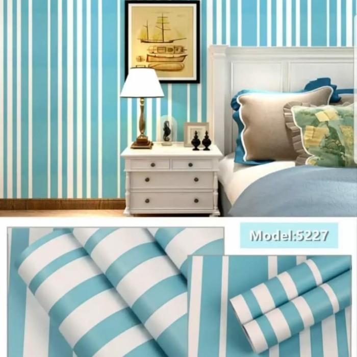 Foto Produk Garis biru putih 45 cm x 10 mtr    Wallpaper dinding dari dedengkot wallpaper
