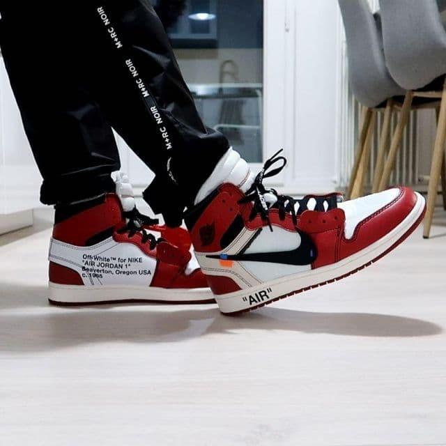 new style 349d1 fb6f5 Jual Nike Air Jordan 1 Chicago x Off White - DKI Jakarta - lumineuse |  Tokopedia