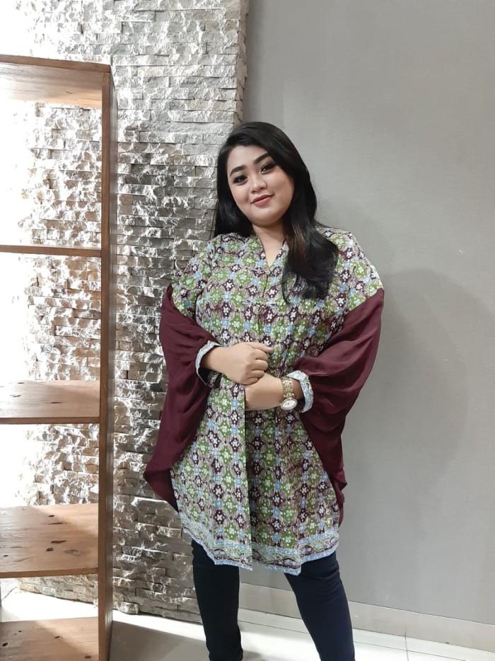 Foto Produk Blouse Batik Katun Tulis Lasem Brand Batik Muda All Size – BAAB72170 dari BatikMuda