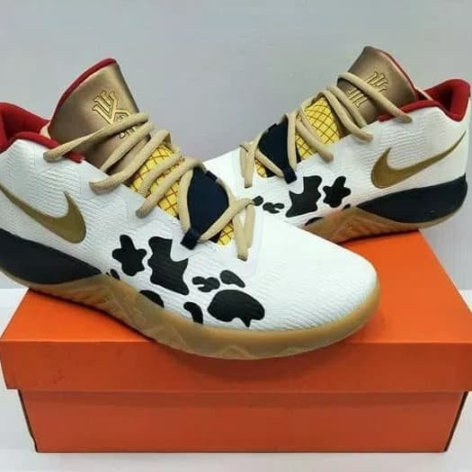 huge discount d5948 a1f33 Jual Nike kyrie irving 4 fly trap toy story perfect kick premium original -  DKI Jakarta - market shoes.id | Tokopedia
