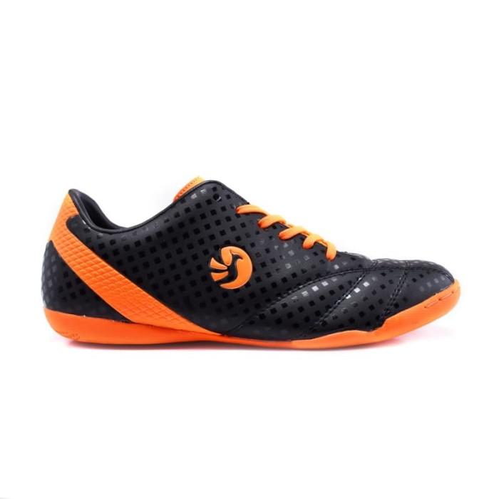 harga Phoenix men maldini sepatu futsal pria - hitam/orange - hitam orange 43 Tokopedia.com