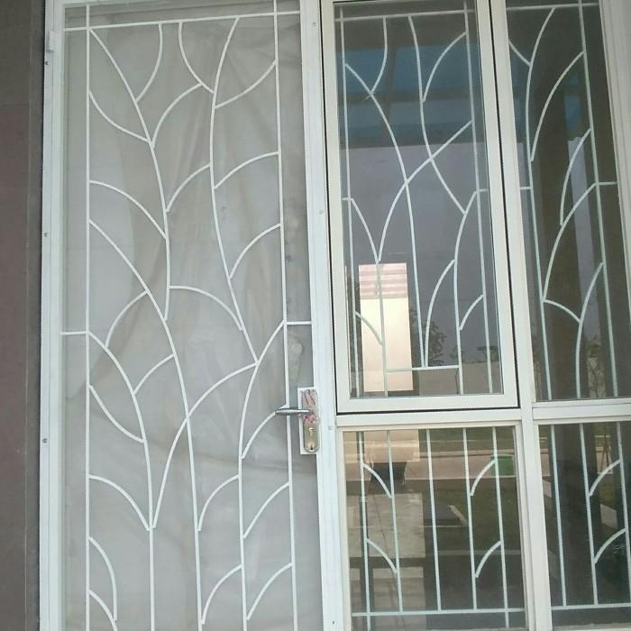 Jual pintu kasa nyamuk plus teralis jendela warna putih ...