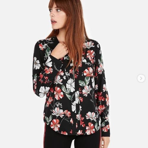 Foto Produk Express Floral Zip Front Chelsea Popover Blouse dari The Needed Shop