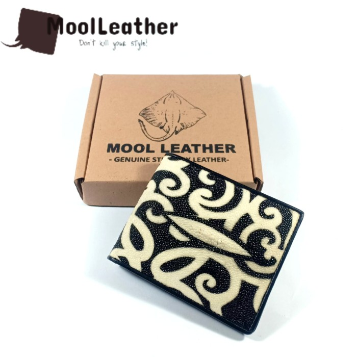 harga Dompet pria asli kulit ikan pari motif batik khas kalimantan Tokopedia.com
