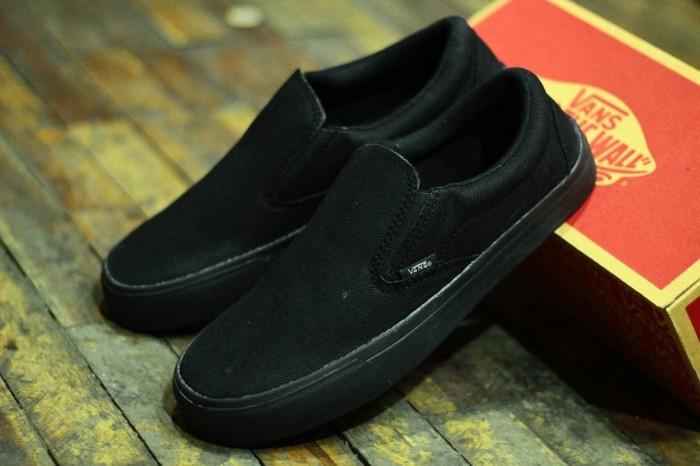 Foto Produk Sepatu Vans Full Hitam Slip On Pria Casual Import dari WANFAR