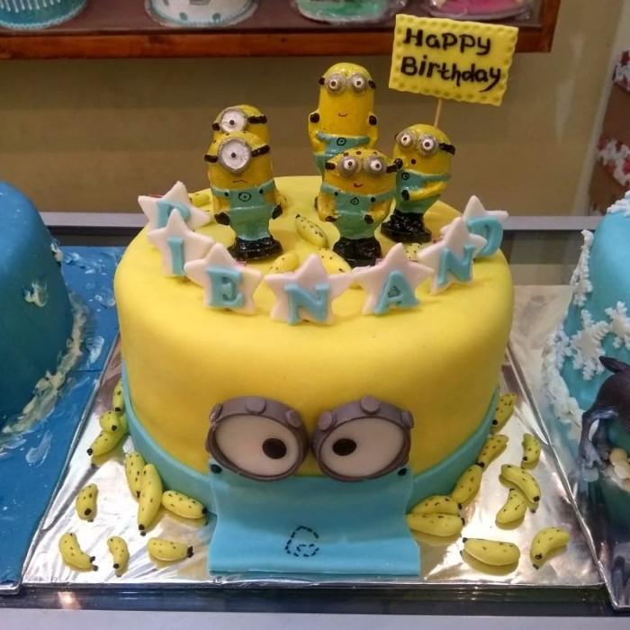Jual Kue Ultah Tema Minion Kota Bekasi Chars Cake Shop Tokopedia