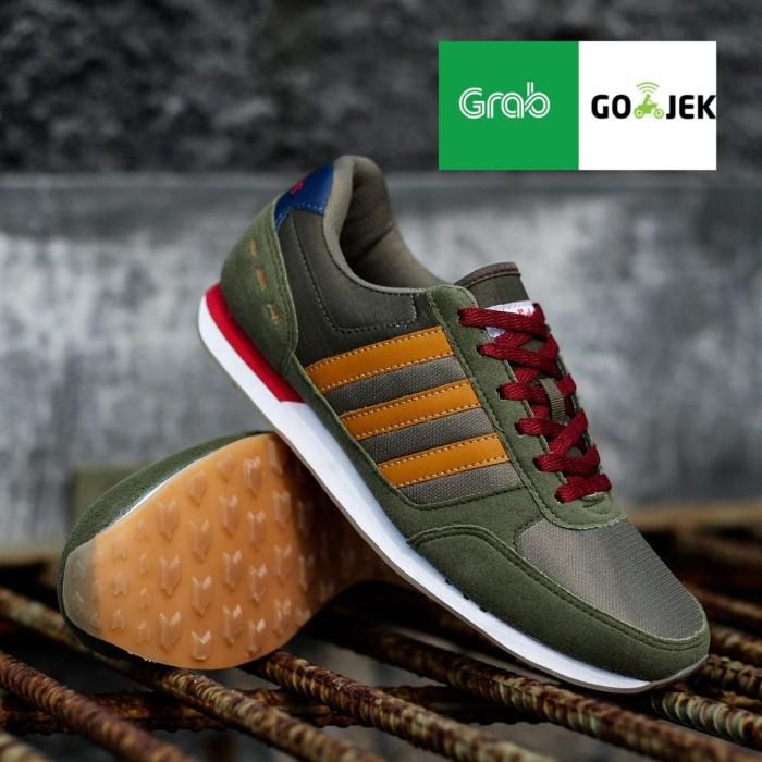 Jual SEPATU ADIDAS NEO CITY RACER GREEN BROWN Kota Tangerang black box store47 | Tokopedia