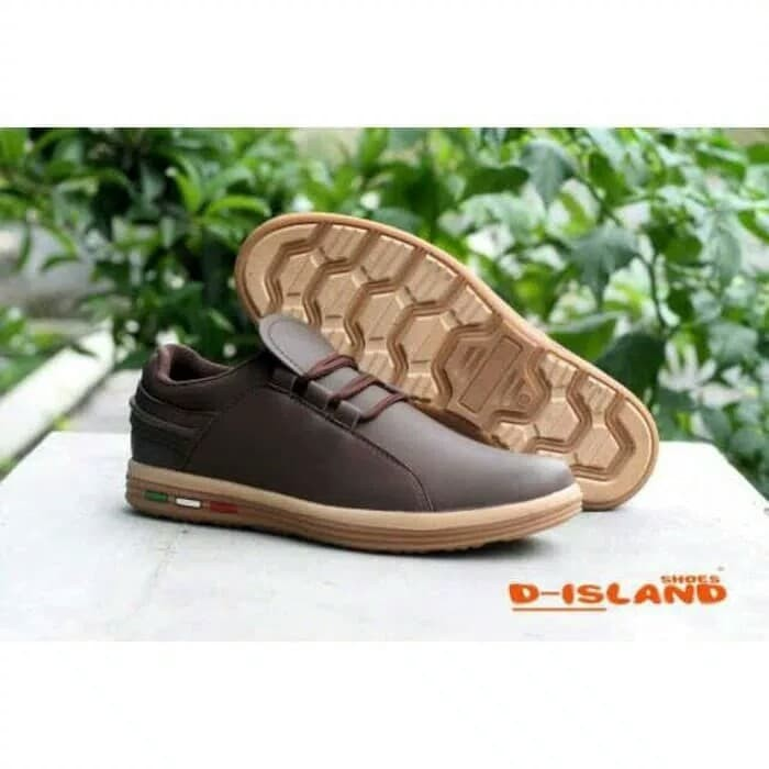 harga Sepatu casual pria / d-island casual 299 slip on Tokopedia.com