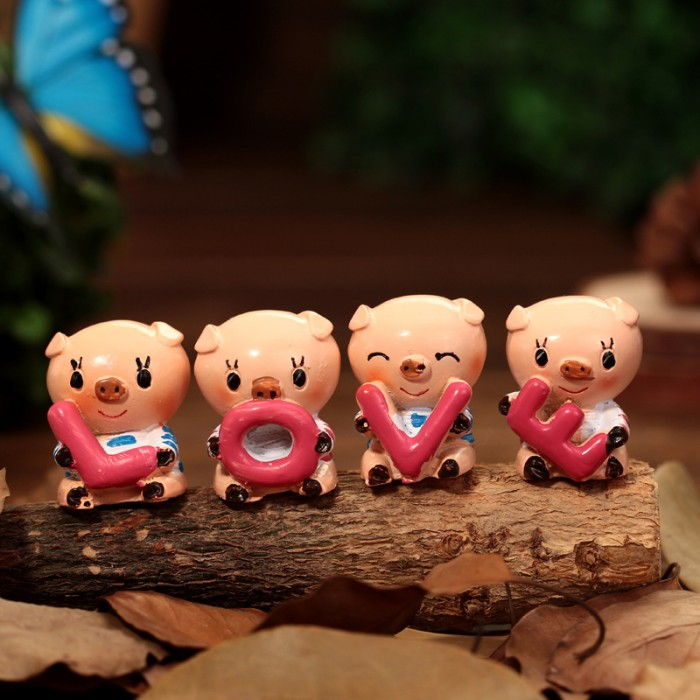 Foto Produk New Style 4Pcs/1Set Couple Love Cartoon Pig Desktop dari W brands Store