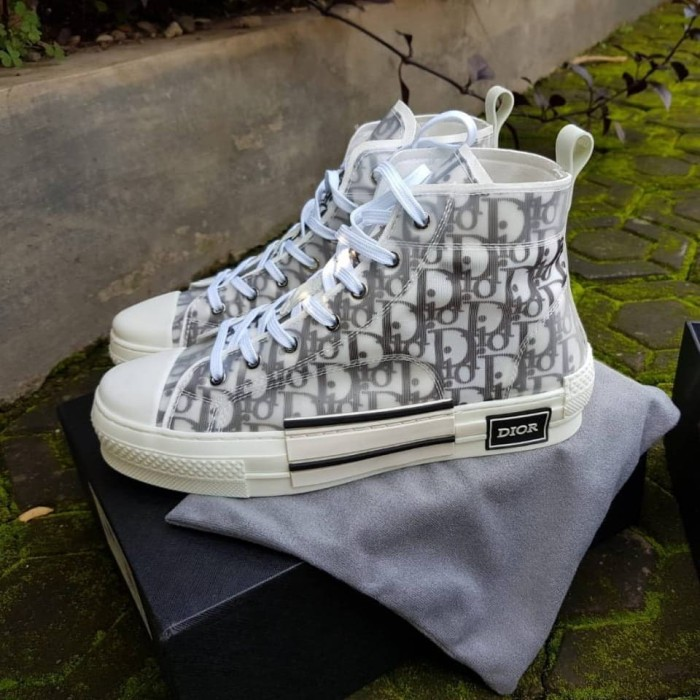 style le plus récent meilleure vente disponible Jual Converse 70s Hi Dior White BNIB sepatu sneakers converse pria - Putih,  40 - Kab. Bandung - sneakers_bdg | Tokopedia