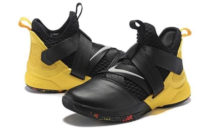 Jual Sepatu Basket - Nike Lebron