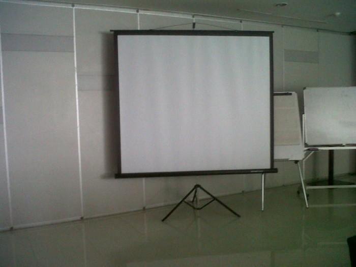 Jual Screen Proyektor Tripod 70 Inchi 178 Cm X 178 Cm Kab Sidoarjo Inti Mediatama Tokopedia