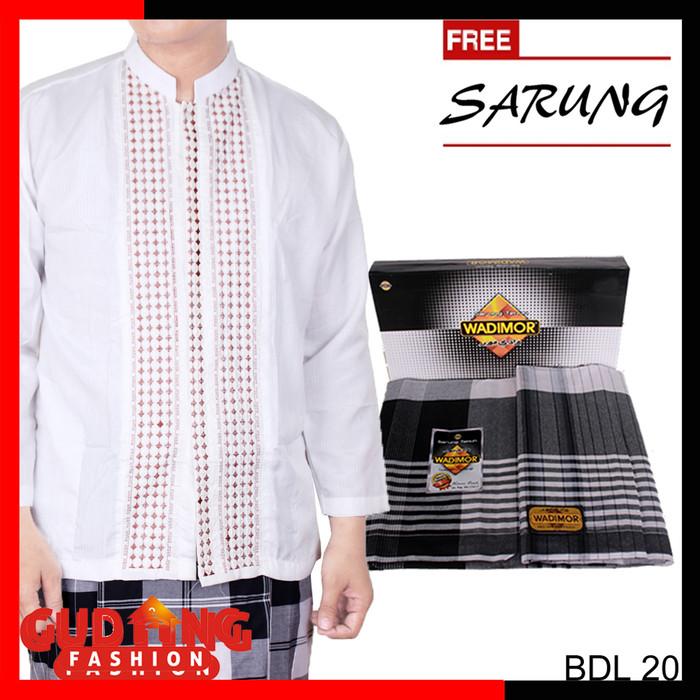 Foto Produk Muslimin Pria Baju Koko Lengan Panjang Plus Free Sarung - BDL (COMB) - Putih, M dari Gudang Fashion