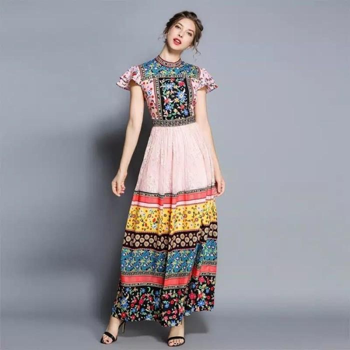 Foto Produk Dress Maxi Wanita Model Stitching dan Gambar Motif Hiasan Renda dari JamesYanna Boutique