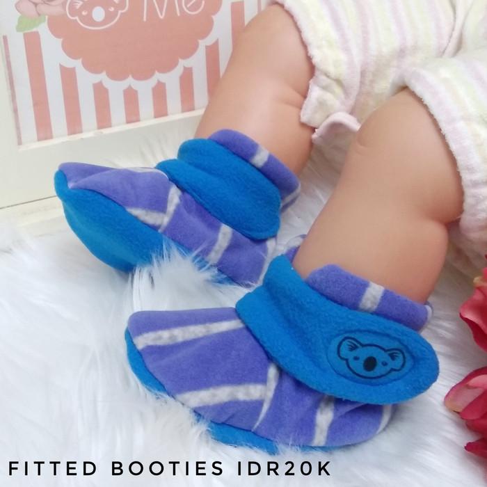 cb759191b CUDDLE ME BABY BOOTIES / KAOS KAKI BAYI / BABY BOOTIES CUDDLEME - CHECK  GREEN