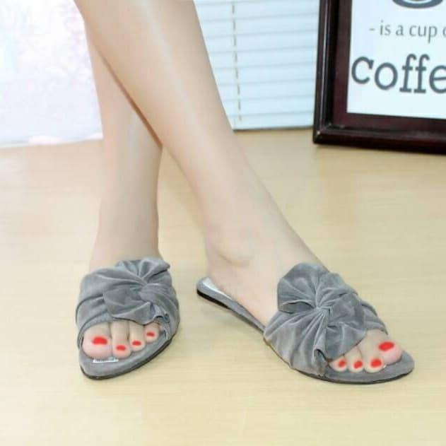 Foto Produk big ribbon flat sandal - Abu-abu, 38 dari efraim shoes