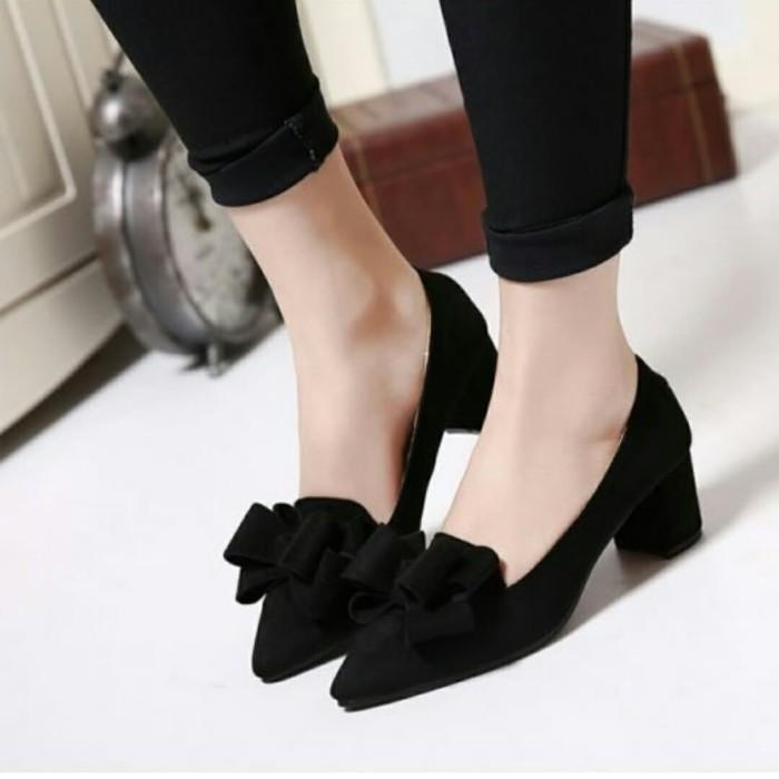 Foto Produk sepatu pump variasi pita besar - Hitam, 37 dari efraim shoes