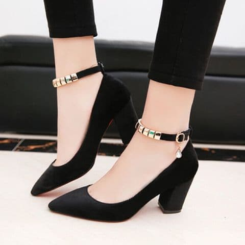 Foto Produk sepatu hak variasi gold heels - Hitam, 36 dari efraim shoes