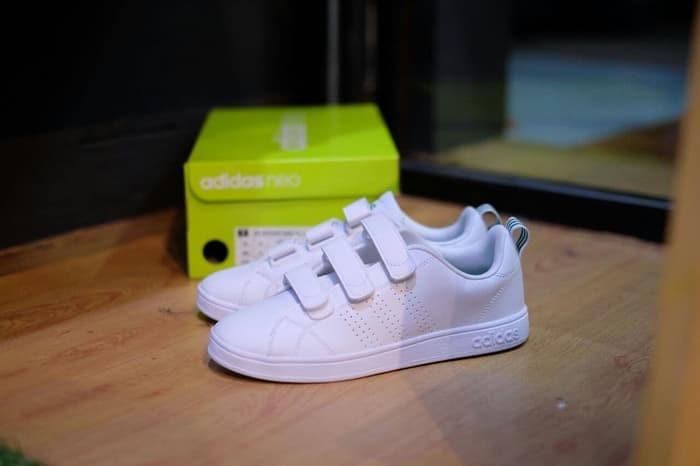 silencio En segundo lugar Prohibición  Jual Sepatu Adidas Neo Advantage Clean Velcro Original BNIB 34White Green3  - Kab. Pekalongan - minati atma shop | Tokopedia