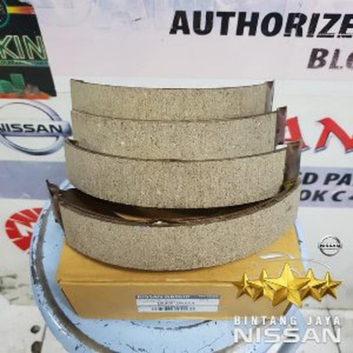 Jual Kampas Rem Belakang Brake Shoe Grand Livina Juke Original Nissan - DKI  Jakarta - jambubenjotstores   Tokopedia
