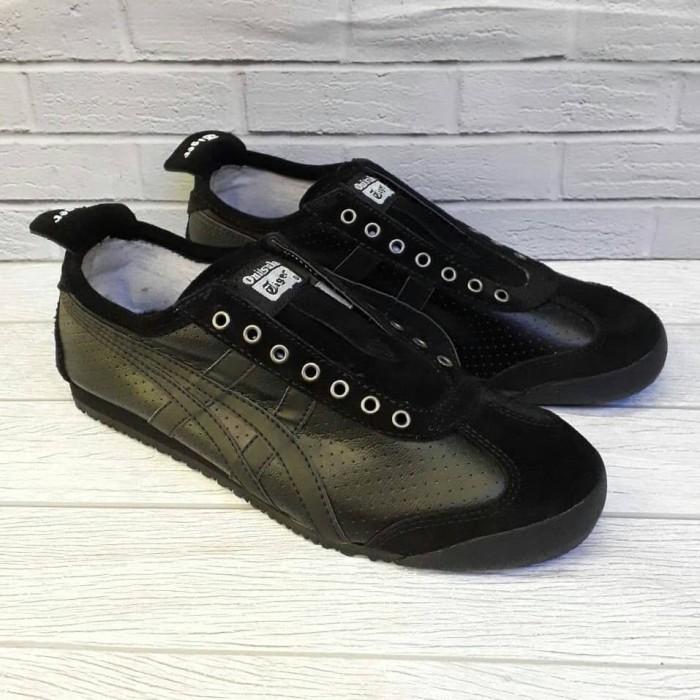 sports shoes 2d1ed 7cc10 Jual Asics Onitsuka Tiger Mexico Slip On Leather Genuine Triple Black -  Kota Bandung - Struggle Sneaker Store | Tokopedia