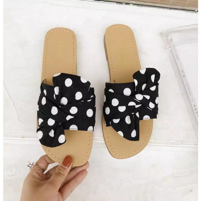 Foto Produk sandal teplek polkadot - Hitam, 36 dari efraim shoes