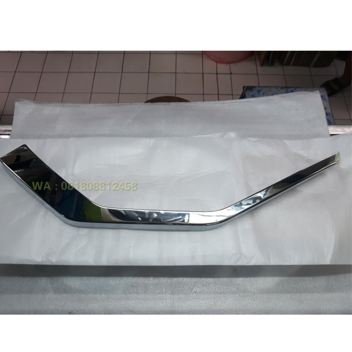 Foto Produk Garnish Bemper Bumper Bawah Crum Chrome Asli Mitsubishi Xpander dari Istana Motor Mitsubishi