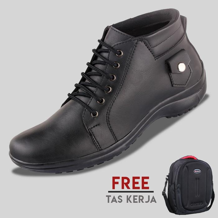 harga Sepatu casual pria s. van decka t-mz02 freetas kerja - hitam Tokopedia.com