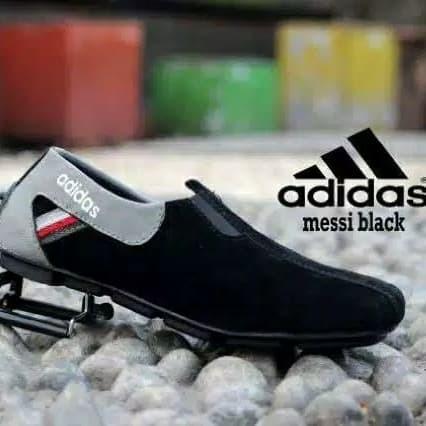 Foto Produk Sepatu Pria Slip On Adidas Messi Casual - Hitam, 39 dari D&G Store