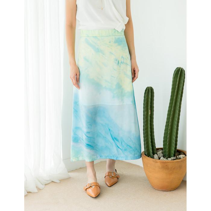 Foto Produk Yuan Market - Tie - Dye Midi Skirt - Blue, M dari Yuan Market