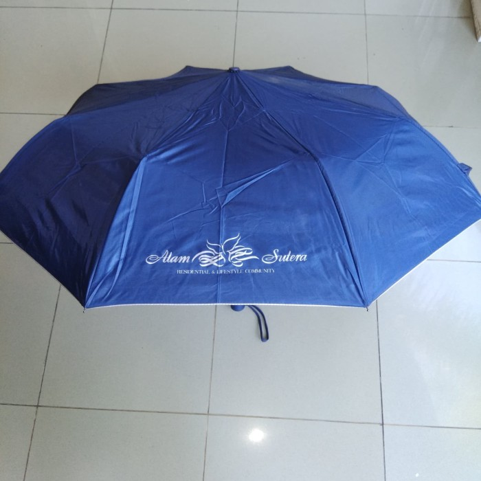 Payung lipat sedang matic