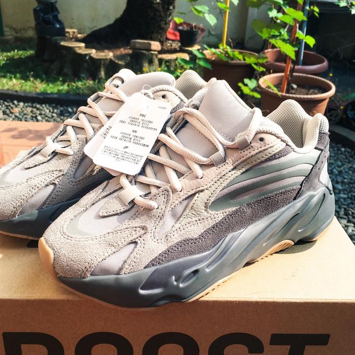 new products b1ced 698ac Jual Sneakers Hypebeast - Adidas Yeezy Boost 700 v2 Tephra OG Original -  DKI Jakarta - Bintaro Merpati Salvage | Tokopedia