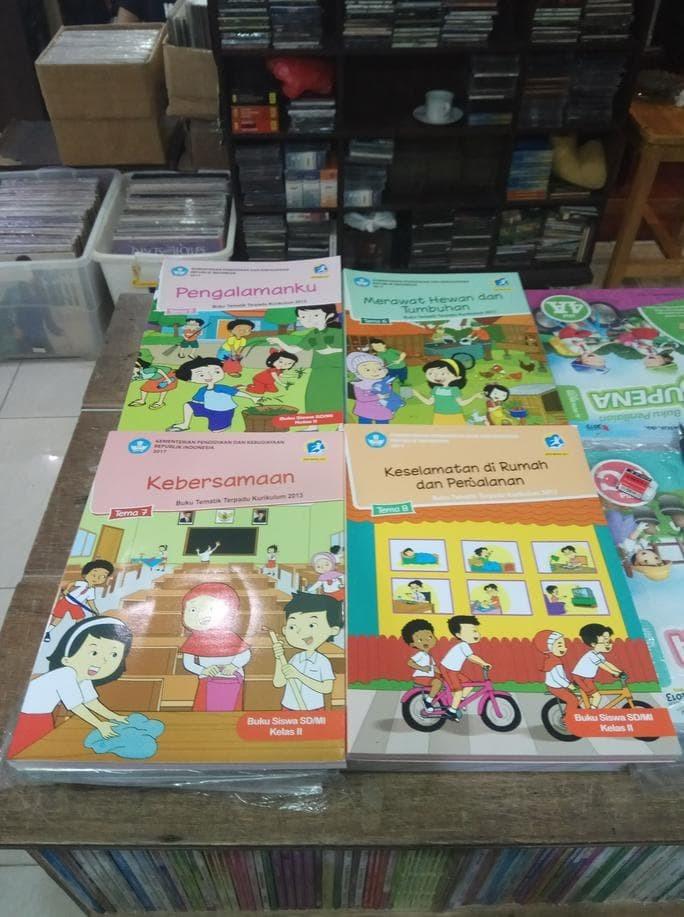 Foto Produk Buku SD tematik kelas 2 tema 5,6,7,8 diknas revisi 2017 dari Yenni Tedjokoesoemo Shop