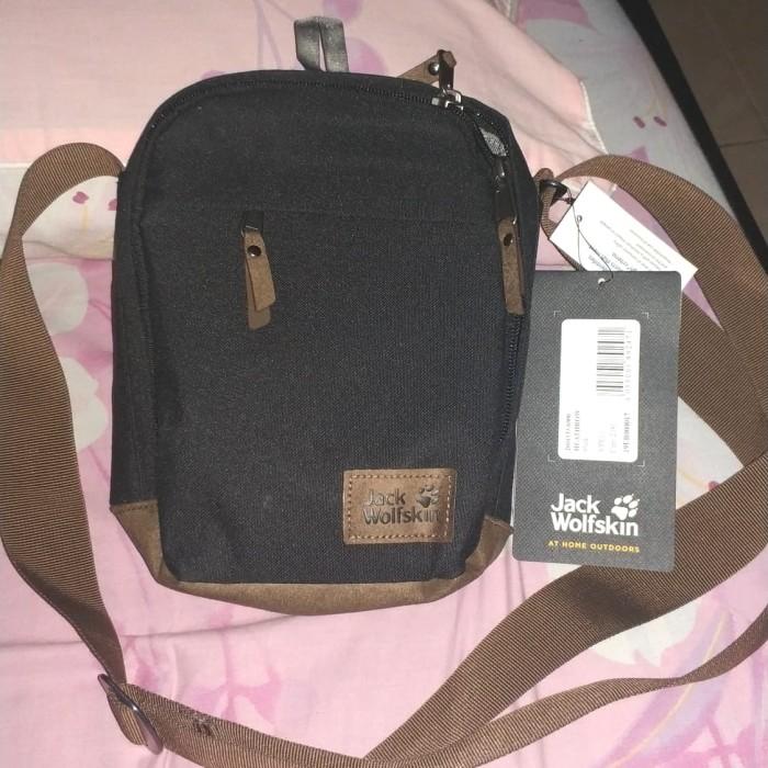 1830db6ece Jual Jack Wolfskin Heathrow Black Sling Bag - Kota Palembang - Vape ...