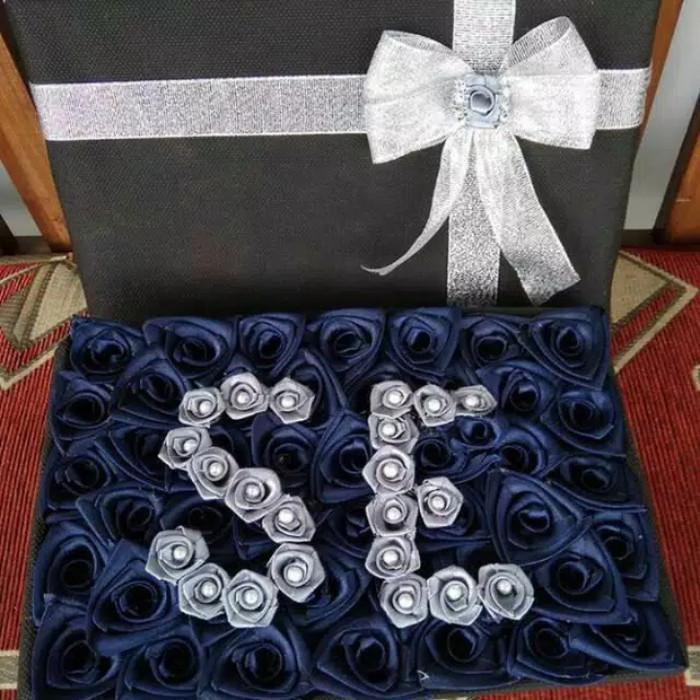Jual Buket Box Flower Bunga Mawar Abu Abu Kota Tasikmalaya Serabutaaan Tokopedia