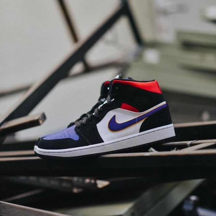 quality design 98e06 b59c5 Jual Sepatu Nike Air Jordan 1 Mid SE