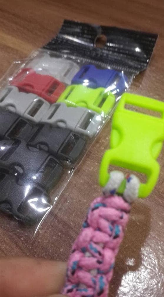Foto Produk Baru Buckle Plastik Kecil 28X14Mm Untuk Gelang Paracord Atau Tas dari kamaluddinahmad