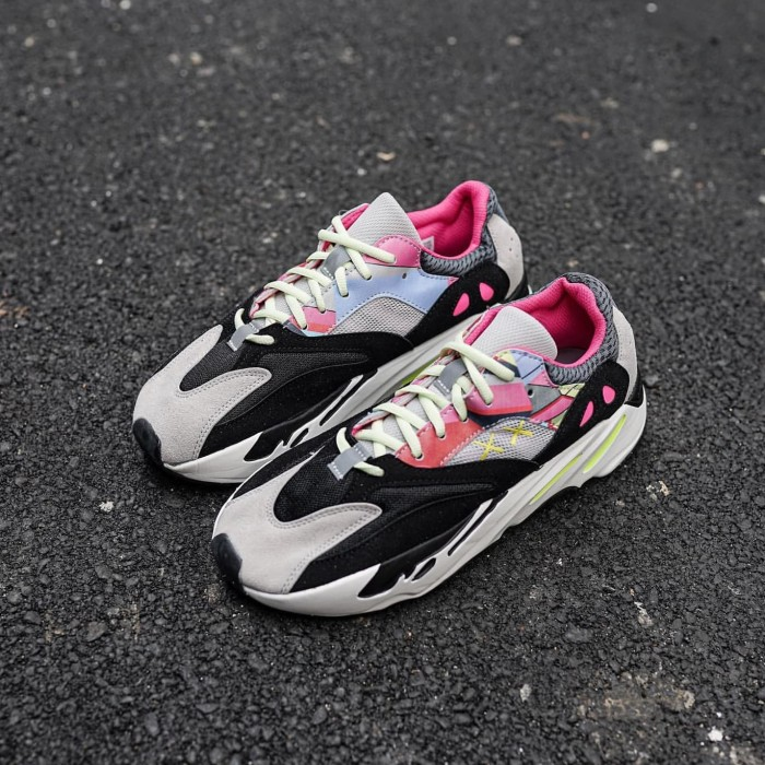 low priced 44165 0120b Jual Sepatu Kaws x Adidas Yeezy Boost 700 PREMIUM BNIB - Kota Depok - gus7i  | Tokopedia