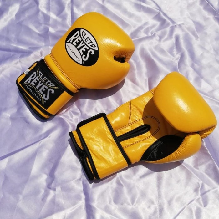 Foto Produk mexican style Boxing Gloves yellow 12oz dari Shelby Stock